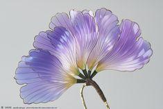 2017 創作簪【 花扇 -kasen- 紫 】Flower fan - Kanzashi, hairstick, headpiece, hairornaments, headdress - by Sakae, Japan Photo by Ryoukan Abe (www.ryoukan-abe.com)   Auction page ▶https://page.auctions.yahoo.co.jp/jp/auction/x519208643  Flickr ▶http://www.flickr.com/photos/sakaefly