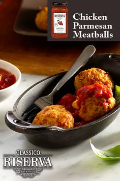 Amazing appetizers for your next venue.  Chicken Parmesan meatballs made with Classico Riserva Marinara.  Only vine-ripened tomatoes, extra virgin olive oil, fresh basil and a dash of sea salt for a delicious and simple recipe.