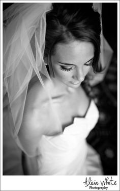 bridal portraits might be a new favorite <3