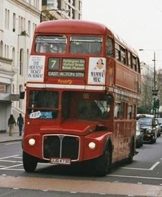 London bus, the Routemaster - these still make me think of of home even though there are not many of them in use anymore! London Bus, London Life, Rt Bus, Routemaster, City And Colour, Bus Route, Double Decker Bus, Bus Coach, London Transport