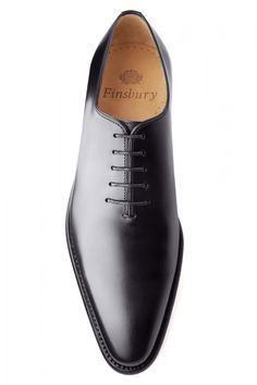 Giulia Black Patated Oxfords Homme – Chaussures Finsbury Source by alviskennedy Finsbury Shoes, Gents Shoes, Suit Shoes, Shoes Men, Men's Dress Shoes, Dress Clothes, Gentleman Shoes, Mens Boots Fashion, Formal Shoes For Men