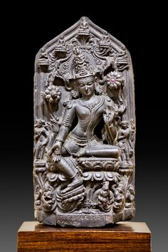 Avalokitesvara Eastern India Pala Dynasty, Circa 12th century Black stone
