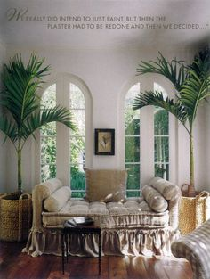 French daybed in hemp; Pamela Pierce. Daybed ideas for Allie or Living room.