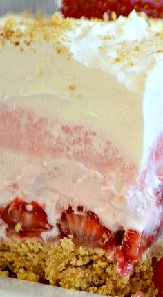 These Strawberry Cheesecake Dream Bars are layers of graham crackers, strawberries, and more. It's the perfect NO-BAKE dessert for strawberry season! Strawberry Desserts, Strawberry Cheesecake, Summer Desserts, Just Desserts, Dessert Recipes, Strawberry Torte Recipe, Cream Cheese Desserts, Cheesecake Desserts, Cake Bars