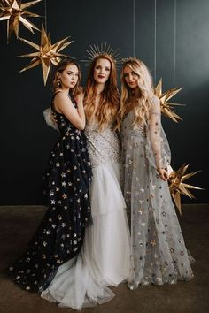 As seen on Green Wedding Shoes, we dove into a midnight magic & celestial wedding theme! This New Years wedding inspiration has all the glitter, gowns and crowns you could dream of. It's the perfect combination of embracing all things bold, modern and adventurous. | Editorial designed by Belle Bodas and Events | #starrynight #celestialwedding #goldgildedwedding #bridesmaidsdresses #newyearsevebride Wedding Trends, Wedding Styles, Wedding Images, Wedding Ideas, Wedding Veils, Wedding Dresses, Gown Gallery, Celestial Wedding, Beautiful Bridesmaid Dresses