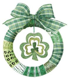 St. Patrick's Day Wreath that is easy to make in a about an hour