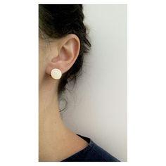 De volta ao estoque: Brinco redondo com dobradiça  [Compre via direct] #Copella #prata925 #minimalist #design #feitoamao