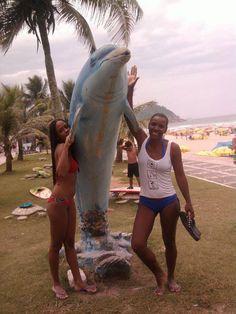 Praia do Tombo - Guarujá/SP - minha sobrinha Aline e eu...