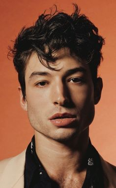 Ezra Miller is one striking man. Ezra Miller, Pretty Boys, Cute Boys, Beautiful Men, Beautiful People, Face Reference, Attractive People, Face Claims, Pretty People