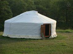 Schau Dir dieses grossartige Inserat bei Airbnb an: Beautiful yurt in Cathar country in Payra-sur-l'Hers