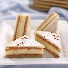 Prăjitură cu mere și cremă de vanilie Cake Recipes, Dessert Recipes, Food Cakes, Cheesecake, Deserts, Ice Cream, Sweets, Cookies, Ethnic Recipes