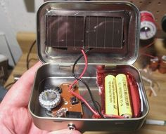 $3 Emergency Solar-Powered Radio Made with Altoids Tin