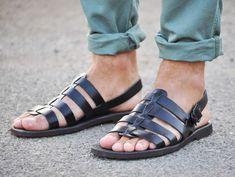 TOMA DE CORRIENTE! -5 EUROS/sandalia gladiador, zapatos de hombre, sandalias artesanales en cuero de Italia los hombres sandalias modelo Ciak de SandaliShop en Etsy https://www.etsy.com/mx/listing/260159491/toma-de-corriente-5-eurossandalia