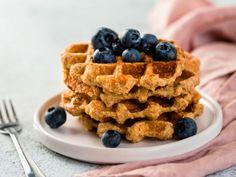 tortillas de harina | CocinaDelirante Queso Panela, Homemade Waffles, Gluten Free Oats, Oat Flour, Sin Gluten, Blueberry, Strawberry, Plates, Breakfast