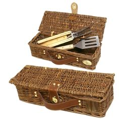 Willow BBQ basket with BBQ tools. This basket is easy to carry. Bbq Accessories, Decorative Accessories, Basket Willow, Picnic Basket Set, Bbq Set, Gazebo Pergola, Patio Furniture Covers, Bbq Tools, Patio Seating