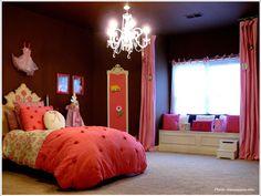 ピンクとチョコレートのプリンセス子供部屋|