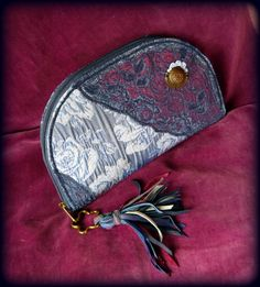 Handmade by Judy Majoros - Fringe wallet-clutch with rose decorations, and lace and leather fringe. Rose Decor, Bagan, Leather Fringe, Clutch Wallet, Recycling, Coin Purse, Decorations, Purses, Lace