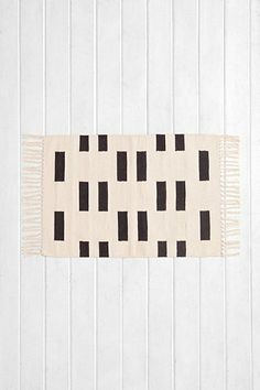 4040 Locust Geo-Block Woven Rug - Urban Outfitters
