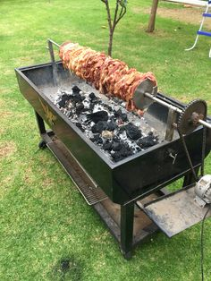 Discover thousands of images about Homemade Bbq Best Ideas Outdoor Kitchen Designs - Best Home Ideas and Inspiration Homemade Grill, Diy Grill, Diy Outdoor Kitchen, Outdoor Cooking, Outdoor Kitchens, Rotisserie Smoker, Small Gas Grill, Asado Grill, Patio Fire Pits