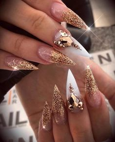 Trendy and Unique Stiletto Nail Art Designs; Bling St… – My CMS Dope Nails, Glam Nails, Fancy Nails, Trendy Nails, Beauty Nails, My Nails, Vegas Nails, Ongles Bling Bling, Bling Nails