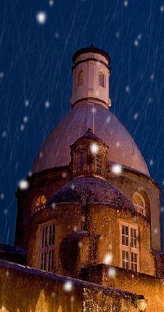 snow falling - Anacapri, Italy