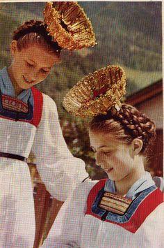 Vorarlberg Austria, Folk Costume, Costumes, German Folk, Interstellar, Headpieces, Headdress, Traditional Outfits, Put On