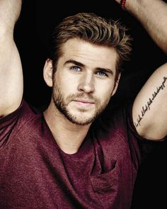 Liam Hemsworth looking good. Do you prefer Liam or Chris Hemsworth? Chris Hemsworth, Liam Hemsworth Hunger Games, Gorgeous Men, Beautiful People, Hemsworth Brothers, The Hunger Games, Hommes Sexy, Hot Actors, Celebs