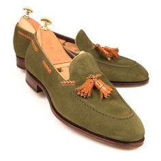 New Handmade Pure Green Suede Leather Stylish Loafer Shoes for Men's Mens Loafers Shoes, Tassel Loafers, Suede Loafers, Suede Shoes, Loafer Shoes, Men's Shoes, Dress Shoes, Shoes Men, Men Dress