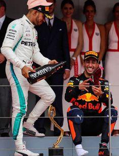 Lewis e Ricciardo F1 Lewis Hamilton, Lewis Hamilton Formula 1, Ricciardo F1, Daniel Ricciardo, Circuit Paul Ricard, Mercedes World, Gp F1, British Grand Prix, Formula 1 Car