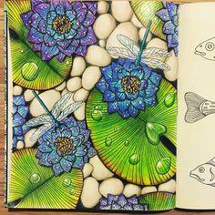 Finalmente acabei! Adorei fazer as gotinhas e as pedras. #Vanivanilla #meditaçãocolorida #daydreams #prismacolor #coloringbook