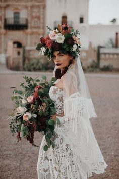 The matching bouquet and floral headpiece is so chic and stunning   Image by Jordan Voth Photography  #fall #fallwedding #wedding #weddinginspiration #fashion #boho #bohowedding #bohemianwedding #bohemian #desert #desertwedding #bridalstyle #bride #bridalfashion  #bouquet #weddingbouquet #bouquetinspo