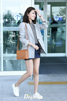 Snsd Airport Fashion, Blackpink Fashion, Korean Fashion, Fashion Outfits, Casual Summer Outfits, Cute Outfits, Sooyoung Snsd, Airport Style, Korean Actresses