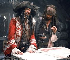 Captain Teague and Captain Jack Sparrow - Father and Son                                                                                                                                                     Mehr