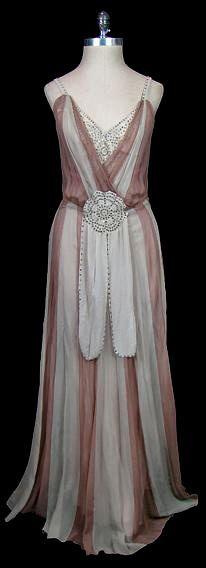~HISTORICAL 1930 GLAMOUR DRESSES~