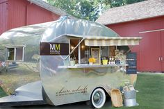 Cheese Wheels (I can't get over the name) is a great extension of its CT based store, providing more options to interact with clients on a more personal, mobile level. #MobileRetail #FoodTrucks