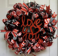 Valentine Wreath, Valentine Mesh Wreath, Valentine's Wreath, Love Wreath, Valentine's Door Hanger, Valentine's Mesh, Heart Wreath by Texascaseyscreations on Etsy