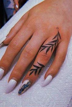 Finger Tattoos 12981 Hand Tattoos For Women – tattoos for women small Finger Tattoo For Women, Hand Tattoos For Women, Finger Tattoo Designs, Henna Tattoo Designs, Tattoo Designs For Women, Tattoos For Guys, Unique Tattoo Designs, Womens Finger Tattoos, Couples Finger Tattoos