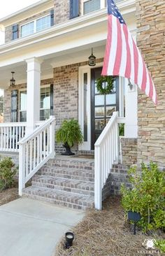 Spring Decorated Rocking Chair Front Porch with American Flag hanging at steps House Front Porch, Front Porch Design, Front Porches, Rocking Chair Front Porch, Front Steps, Pallet Painting, Cool Rooms, Porch Decorating, Building A House