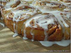 Gooey Sticky Cinnamon Buns - Cake Duchess