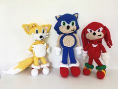 Hey everyone! Any fans of Sonic the Hedgehog out there? I recently made these guys for an almost 4 year old Sonic fan. I've actually ma. Plush Pattern, Crochet Doll Pattern, Crochet Patterns Amigurumi, Crochet Dolls, Crocheted Toys, Amigurumi Toys, Crochet Crafts, Yarn Crafts, Crochet Projects