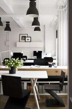 monochrome office http://officesnapshots.com/2015/06/29/bhdm-design-new-york-city-offices/