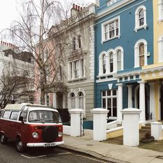 That camper van+ those houses . . Not pictured- 4 instagrammers totally in love with this scene, taken whilst out with @roselladegori, @elensham and @liolaliola . #thisisLondon  #soloparking #lovelondon