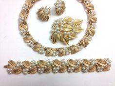 Trifari Jewelry Grand Parure 1950s Gold Leaf & Pearl Necklace Bracelet Earrings Brooch