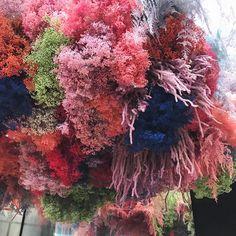 ☁️ Hanging neon cloud for perfumer Miller Harris. ☁️ In store til May. ☁️