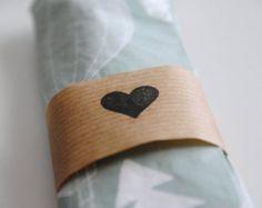 Ronds de serviette en papier kraft, imprimé coeur noir - Fait main, lot de 30 ronds de serviette