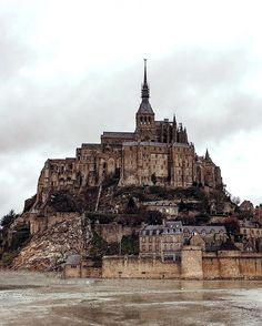 #BLOGPOST #TOP10 Today we continue our TOP 10 with one of the most recognizable destinations in Europe - #MontSaintMichel (#France). 🚙🇫🇷 We went there in the mid-February, when the weather conditions weren't most 'tourist-friendly', but we still were left in a little bit of a shock when we saw the greatness of this landmark! 💥😳 Though the whole process of getting in is a bit commercialised, but once you do set your foot inside Mont Saint-Michel you get best #medieval experience that…