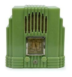 A jade bakelite Empire State Radiolette, mid-1930's.
