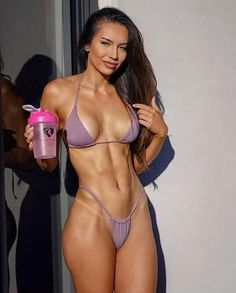 Athletes Bodybuilders and just fitness people who reach good results in muscle building, fitness and weightlifting. Bikini Fitness, Fitness Gurls, Bikini Workout, Yoga Fitness, Fitness Models, Wellness Fitness, Female Fitness, Sporty Girls, Gym Girls
