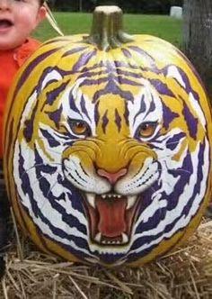 LSU pumpkin art for Halloween Lsu Tigers Football, Football Tailgate, Clemson, Football Season, Halloween Pumpkins, Fall Halloween, Halloween Crafts, Halloween Ideas, Happy Halloween