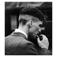 Cillian Murphy as Badass Gangster Thomas Shelby Peaky Blinders Peaky Blinders Quotes, Peaky Blinders Frisur, Peaky Blinders Poster, Peaky Blinders Wallpaper, Peaky Blinders Thomas, Cillian Murphy Peaky Blinders, Peaky Blinders Hairstyle, Peaky Blinders Series, Men's Hairstyles